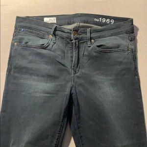 Gap 1969 Legging Jean in Faded Black Wash
